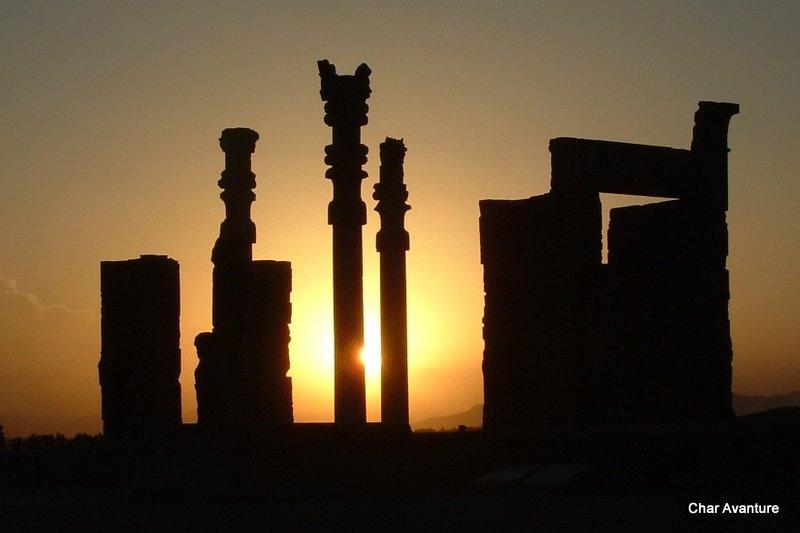 20. zahod v perzepolisu