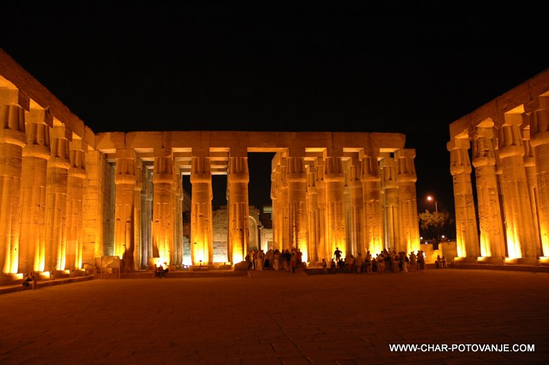05. luxor tempelj ponoci