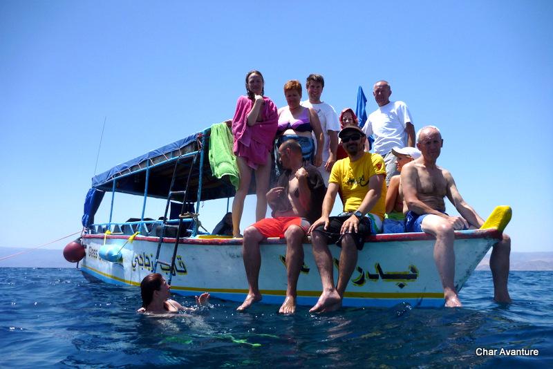 34. na barki nad koralami