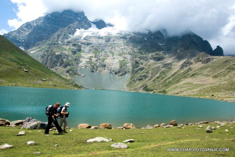 04._jezero_in_ledenik_v_kasmirskih_gorah