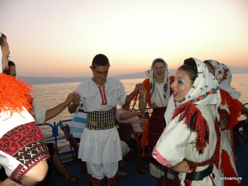 01.Ohridska folklora zabava na ladji