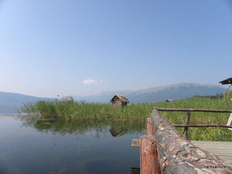 16.Prespansko jezero z vrhom Magaro v ozadju