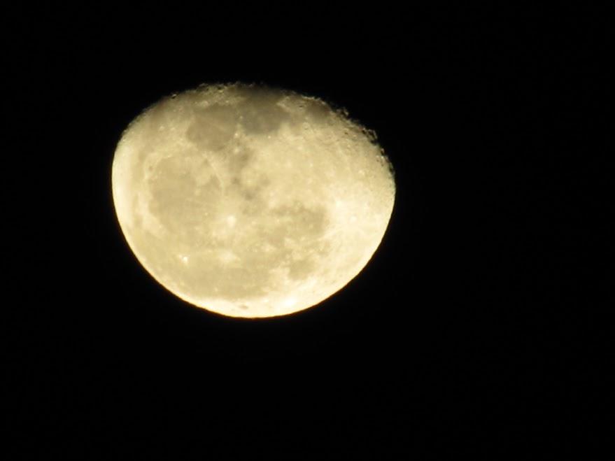 16a_Luna_na_afriškem_nebu