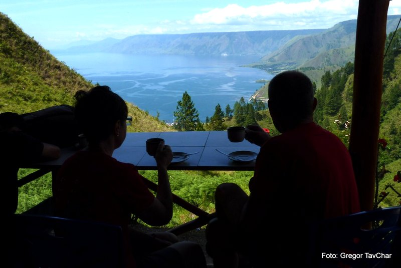 32. prelep pogled na jezero toba