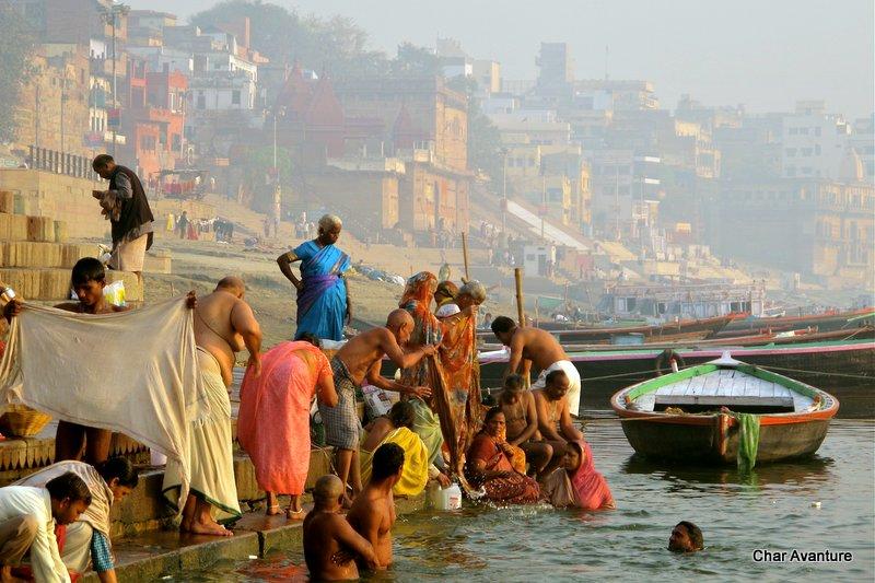02. na obali Gangesa se dogaja cuda